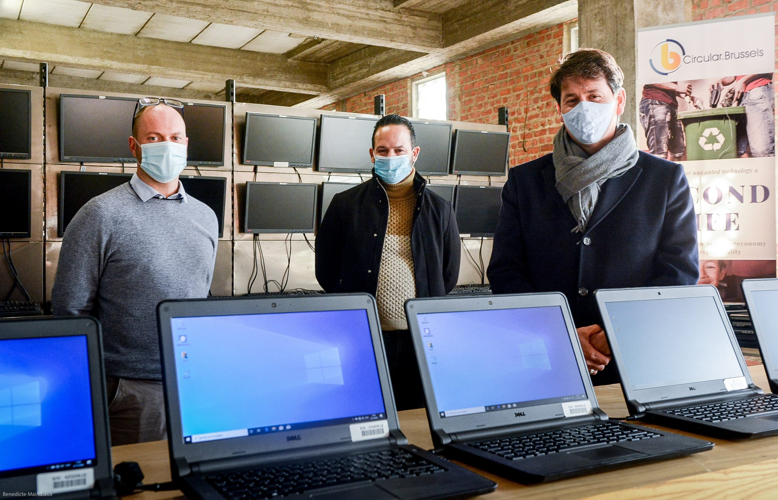 Brusselse start-up vernieuwde en verdeelde al 2.000 laptops onder scholen en OCMW's