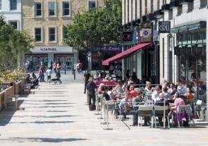 Al fresco dining in Dundee