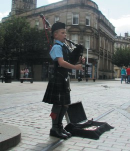 Piper Boy in Dundee City Centre