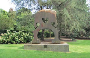 Dundee Botanical Gardens Sculpture