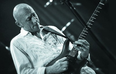 Coast 's lead guitarist, Andy Murray