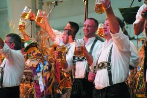 oktoberfest-drinkers