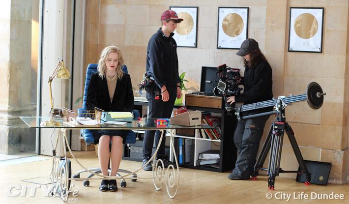 Mellisa De Mol on set