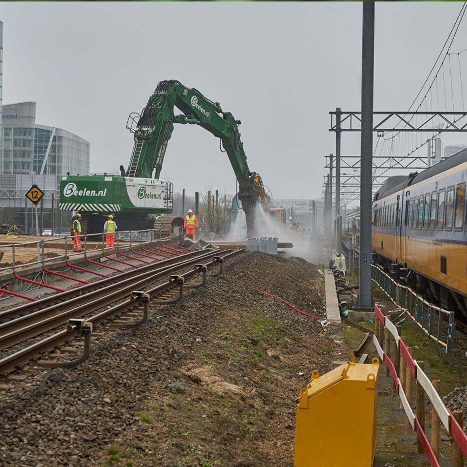 In-april-2019-verwijderde-de-specht-al-een-deel-van-de-Amstelveenlijntunnel
