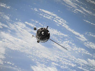 satellite-1030782_1920