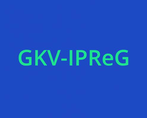 Vor einem blauen Hintergrund steht in neongrün GKV-IPReG