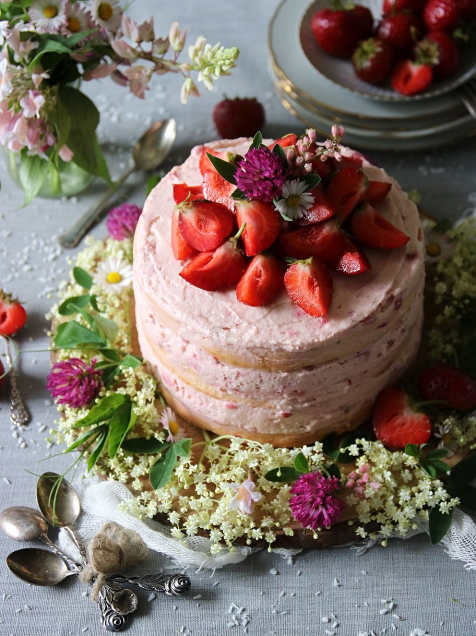 rustik jordgubbstårta