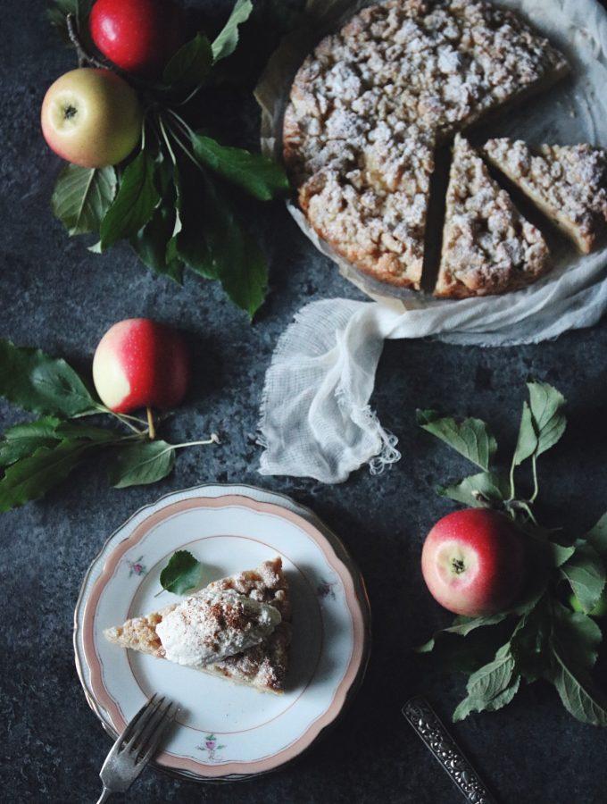 enkel smulpaj med äppelmos