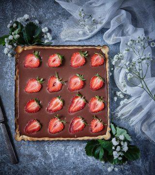 Reklam för min bok. Köp Simonas Söta till väldigt BRA pris! Chokladpaj, kokostoppar, citronrutor, chokladbollar eller himmelsk choklad och vaniljkaka är några av recepten i min bok, Simonas Söta. Just nu kan du köpa boken till väldigt bra pris på både Bokus och Adlibris. Passa på! Lägger länken uppe i min profil. Fin måndag på er alla! 📸 @thomashjerten #simonassöta #hembakat #allakanbaka #mittkök #köketse