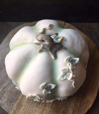 Gillar du prinsesstårta? Berätta gärna hur den perfekta prinsesstårtan ska vara enligt dig. Klicka på länken i min profil för receptet och tagga en vän som skulle uppskatta en bit till fika idag. #prinsesstårta #tårta #mittkök #hembakat #marsipan