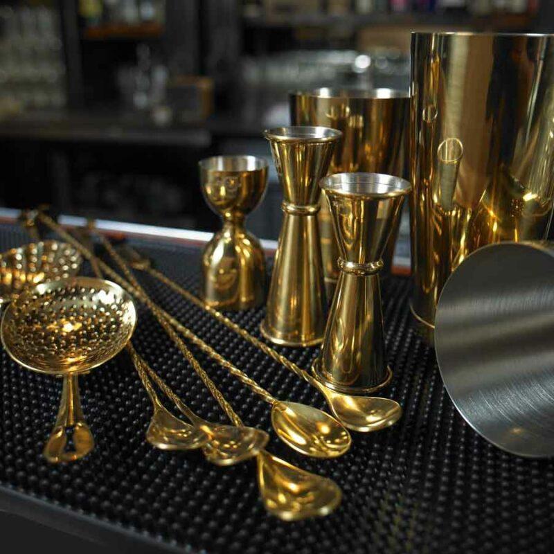 MIXOLOGY - Bartender Certified