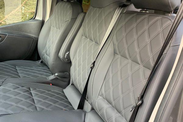 Vivaro interior front (2)