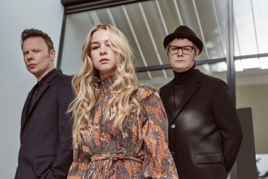 Eurovision: Hooverphonic Debut 'Release Me'