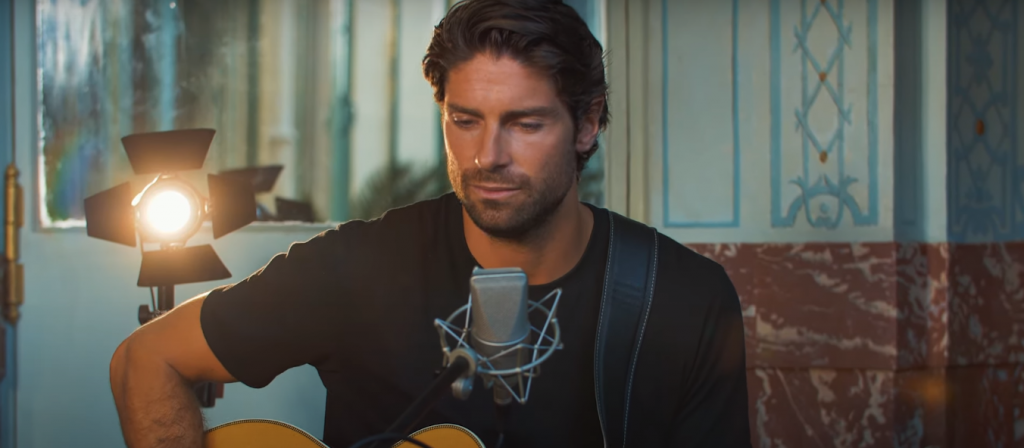 Tom Leeb Drops Live Video for Gorgeous Track 'You and I'