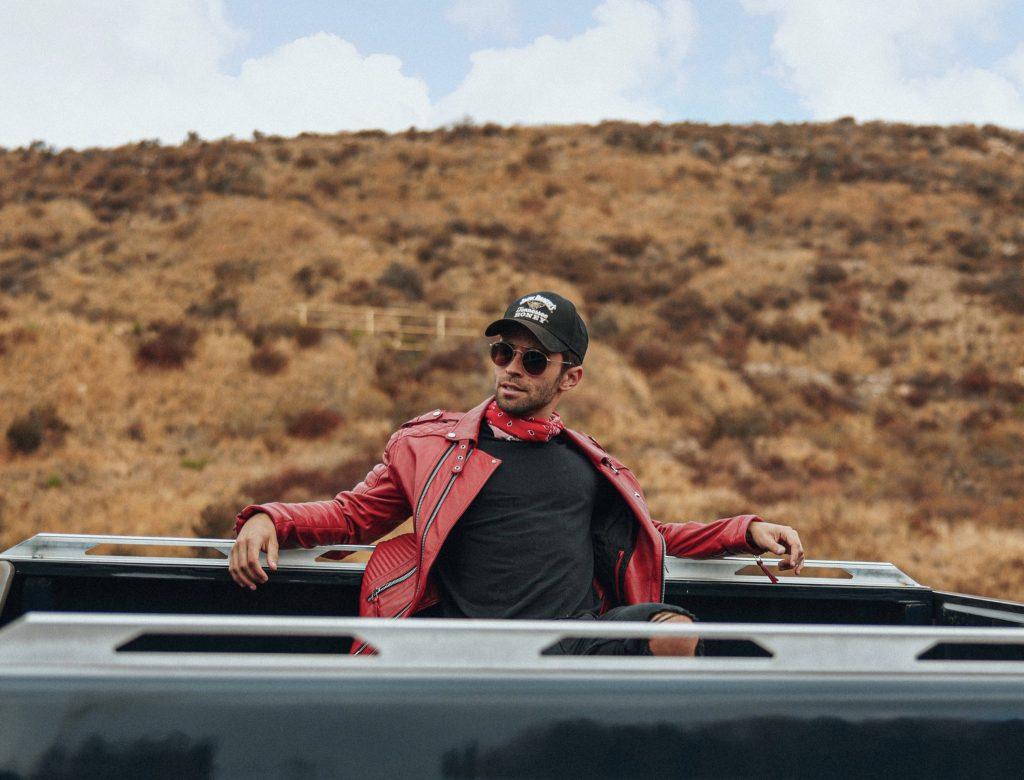 Jake Miller Releases Heartfelt Pop Delight 'JUMPIN' with Miles
