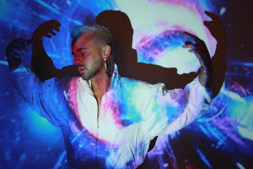 Nashville-Based Talent Tyler Rayn Releases Vulnerable Pop Anthem 'Crossfire'