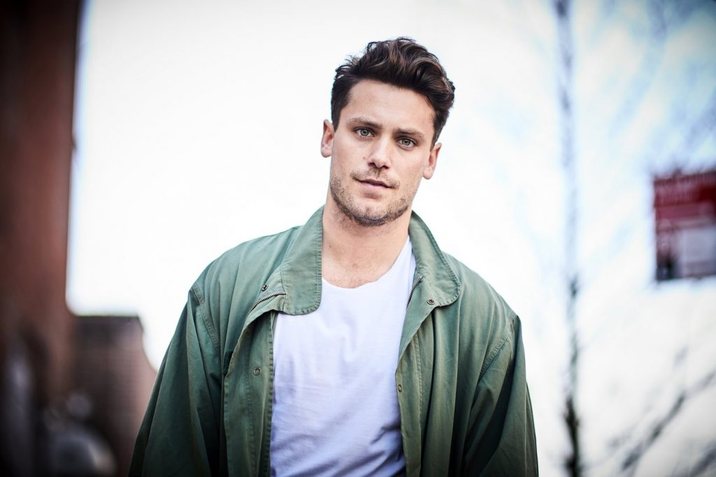 Pop Talent Bastian Baker Drops New Single 'Jackpot' Inspired By His Home of Switzerland