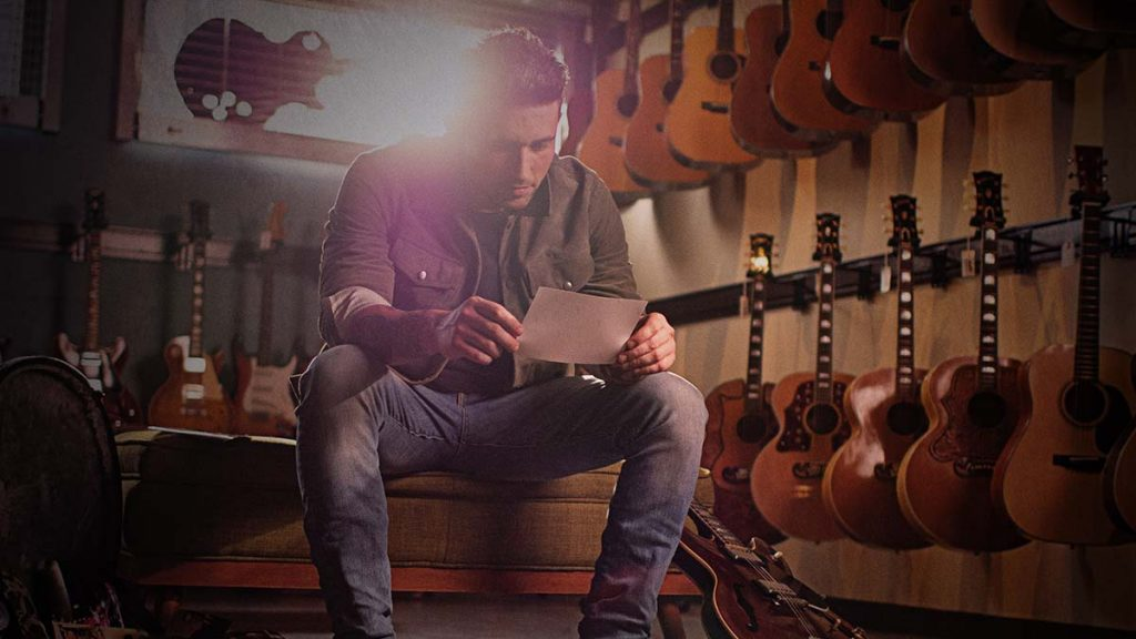Country Talent Michael Ray Releases Sentimental Ode To Family 'Picture'