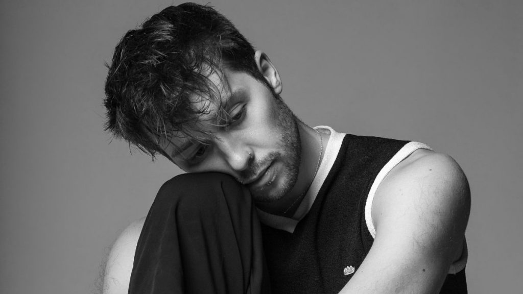 US Singer-Songwriter Christian French Releases Reflective Indie-Pop Hit 'avalanche'