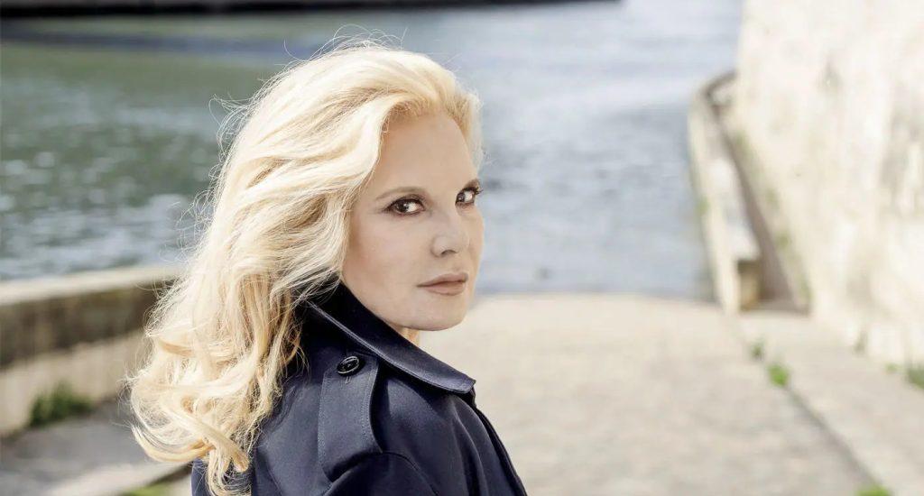 French Musical Icon Sylvie Vartan Releases 50th Studio Album 'Merci pour le regard'