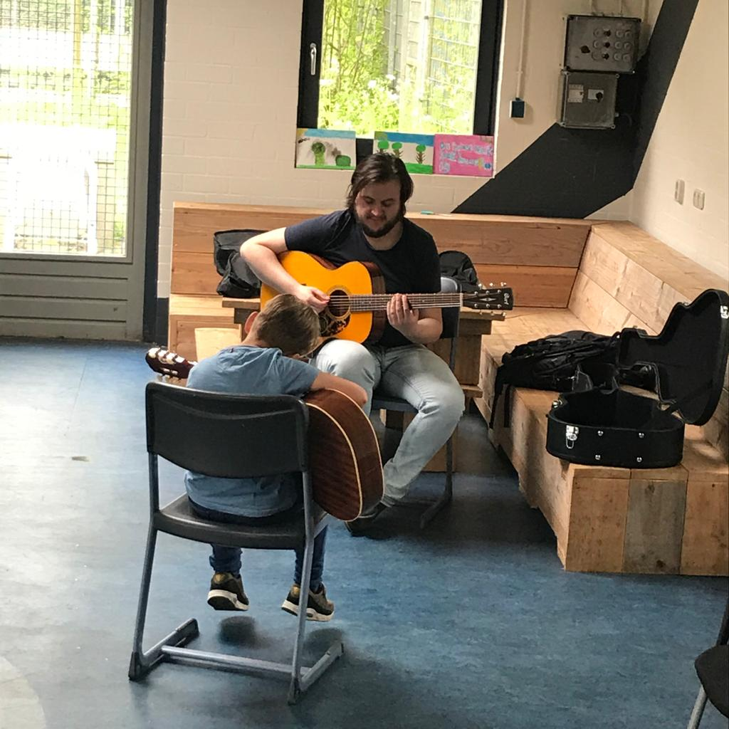 Muzieklessen buitenhof