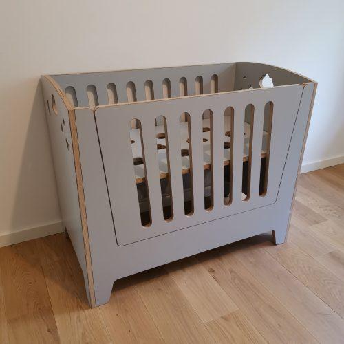 bedside crib
