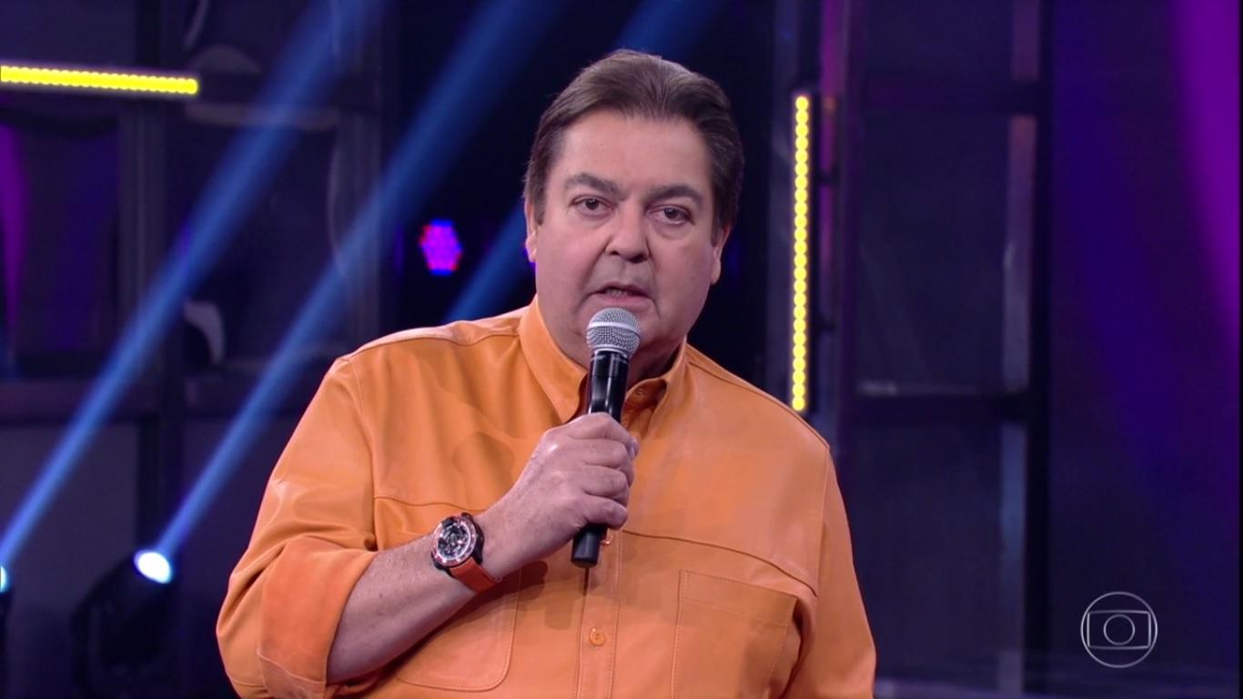 Faustão, um dos apresentadores mais tradicionais da TV Brasileira havia anunciado que sairia da Globo no fim de 2021, mas sairá antes.