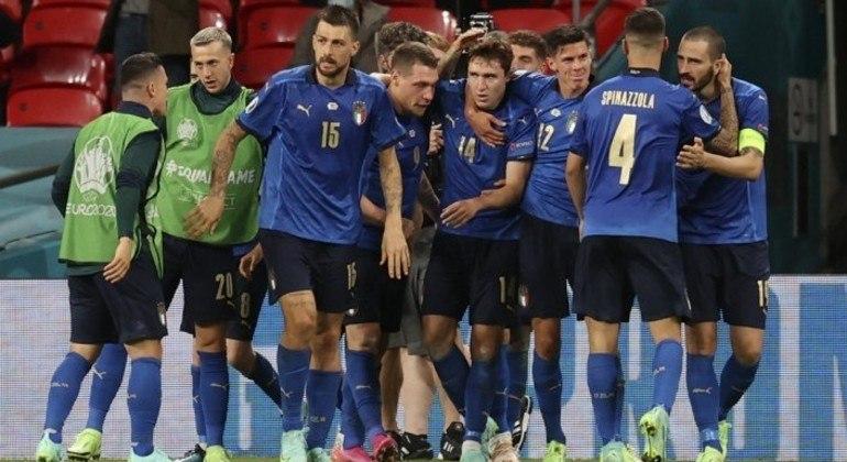 Itália e Bélgica se enfrentam na Eurocopa