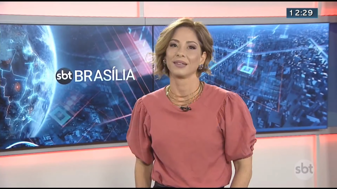 Neila Medeiros mal voltou e já foi de novo.