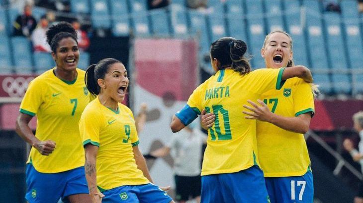 Futebol feminino explode