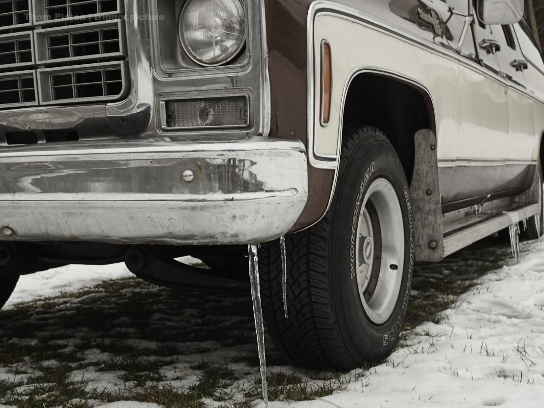 eis am chevy suburban, dem transporter des dakota homes