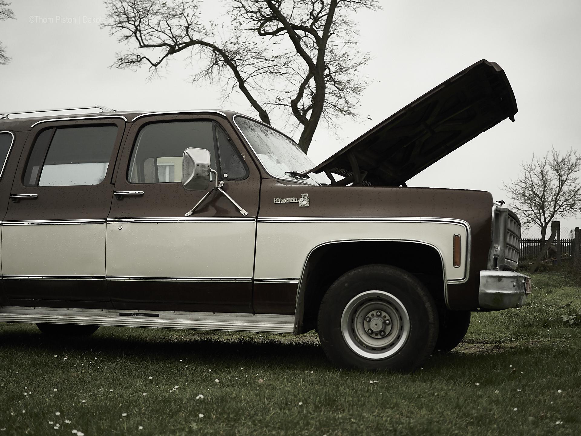 der Dakota Home Truck - 1979 Chevy Suburban