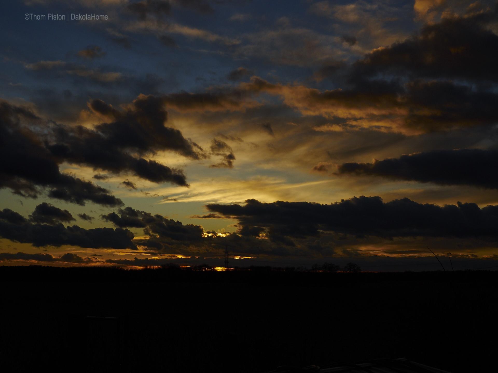 Sonnenuntergang anfang Januar at Dakota Home