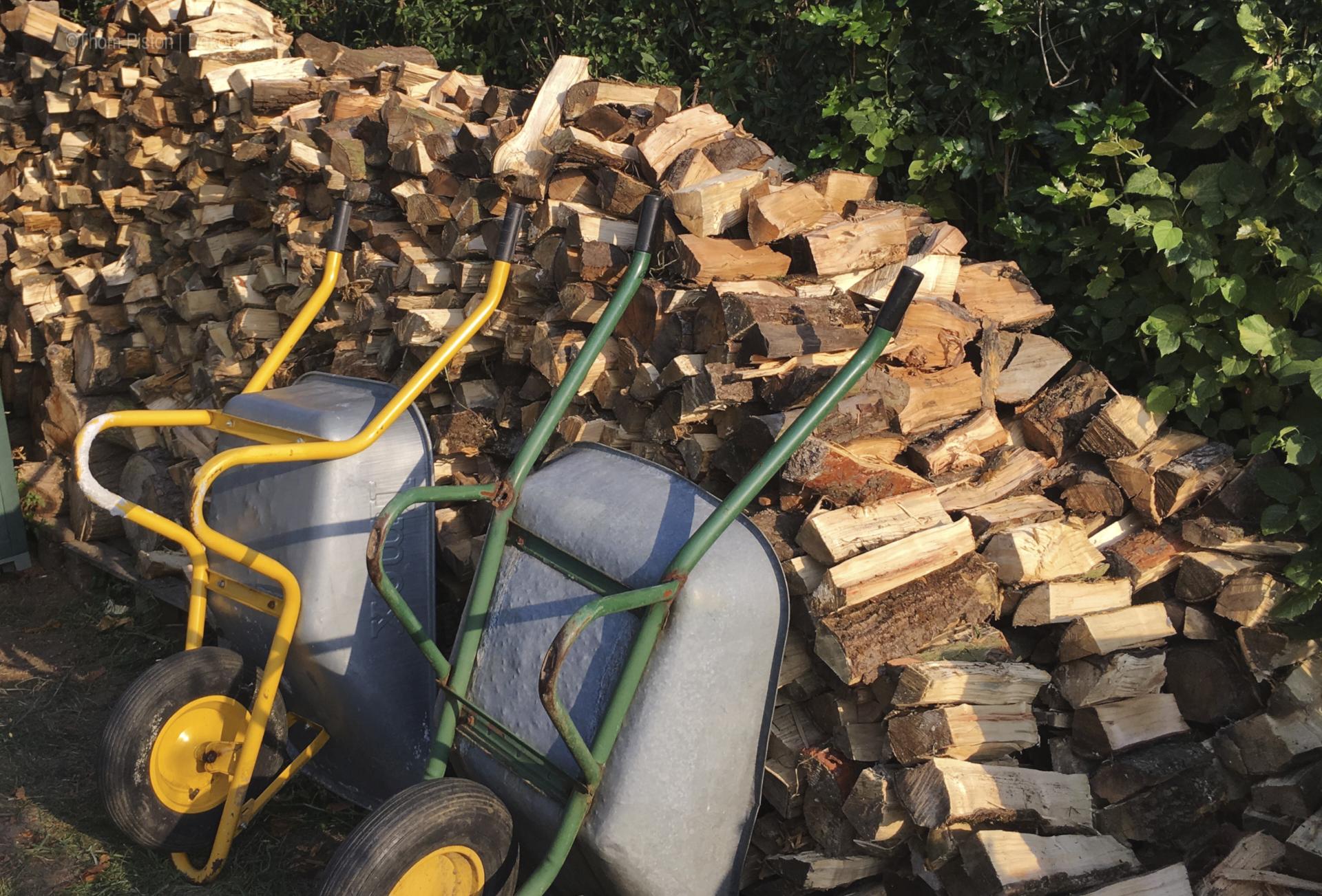Kamin Holz kann man nicht genug haben..