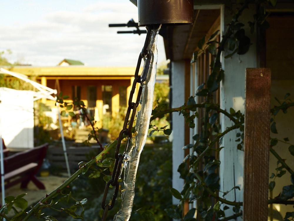 Frost ende Oktober 2019, Brandenburg, Tinyhouse Dakota Home