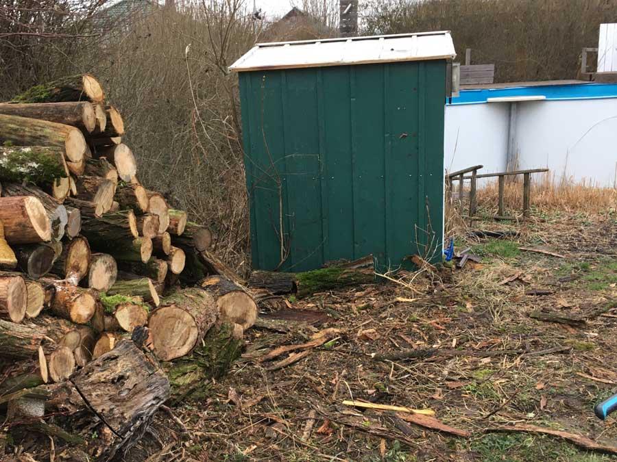 der Holzstapel nimmt endlich ab
