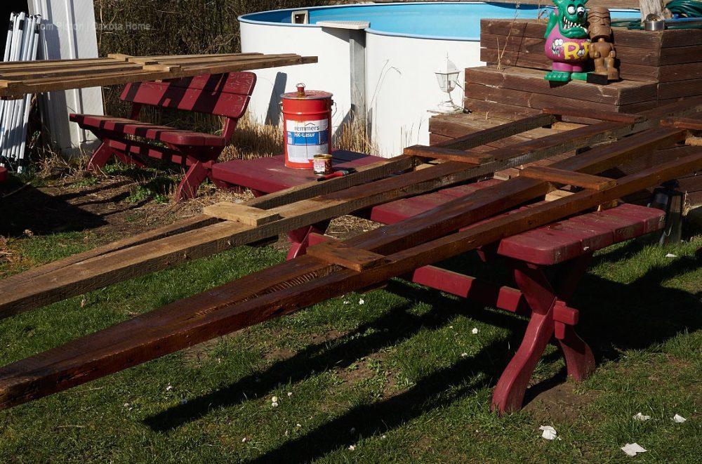 Alte Dachsparren der Ponderosa wurden vorher mit Remmers behandelt