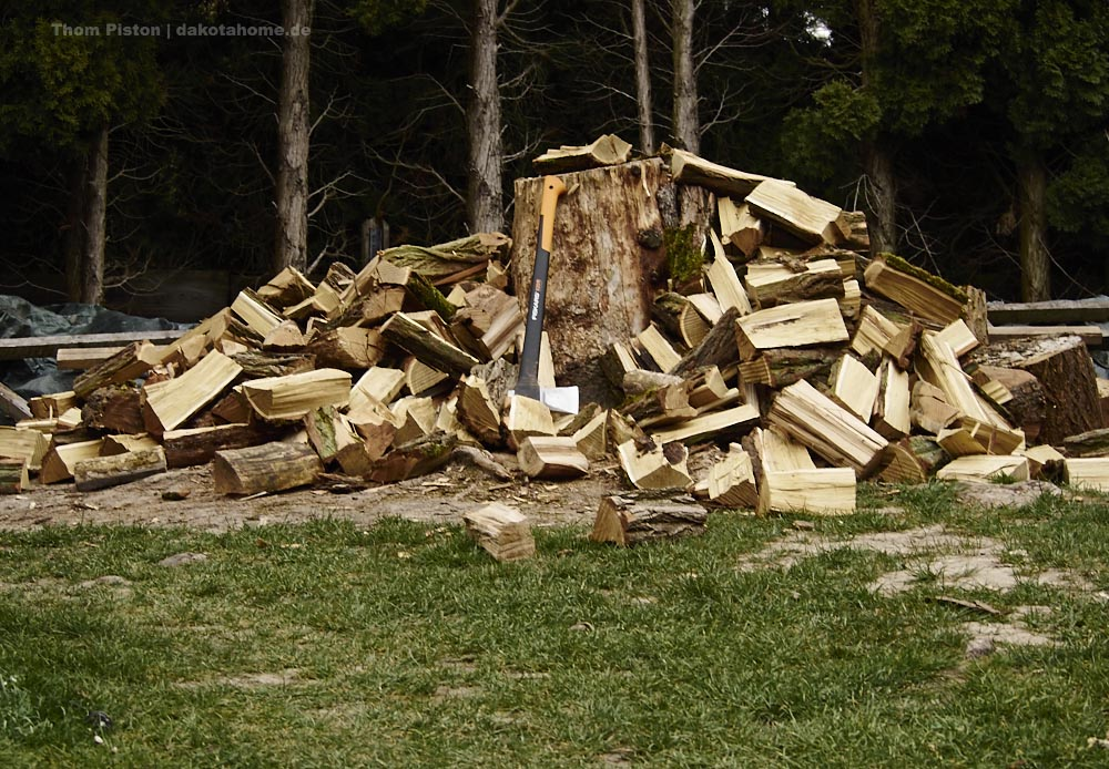 nebenher ma etwas Holz klein machen...