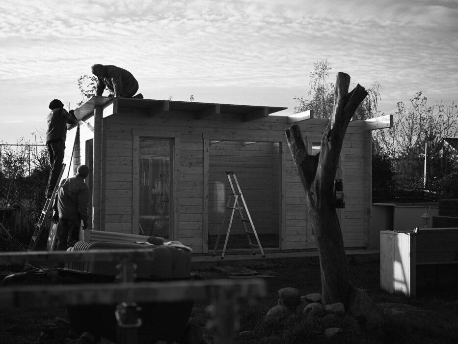 OSB Platten aufs Dach bringen