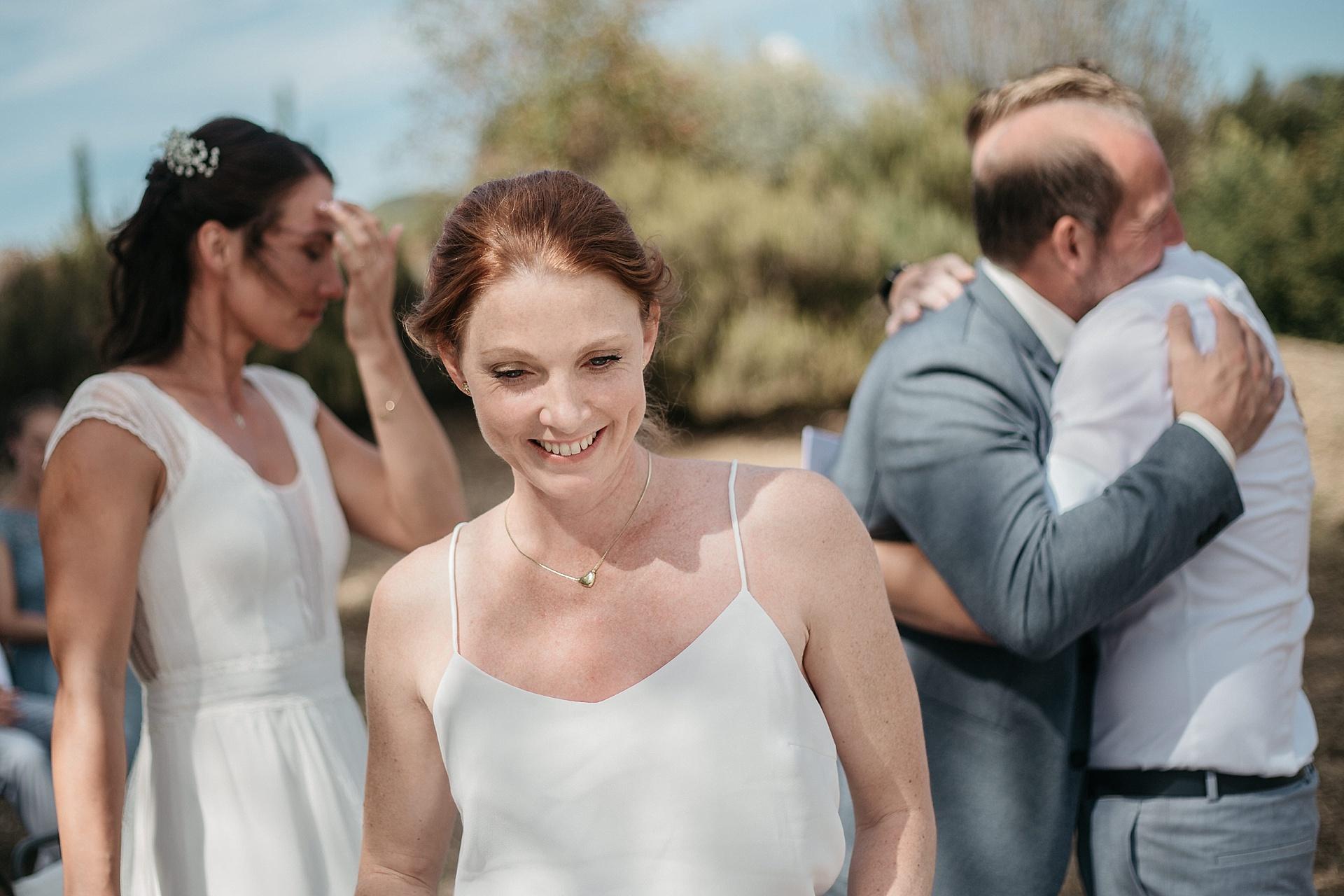 Traumhafte Hochzeit in der Provence. Die Trauzeugen halten eine emotionale Rede.
