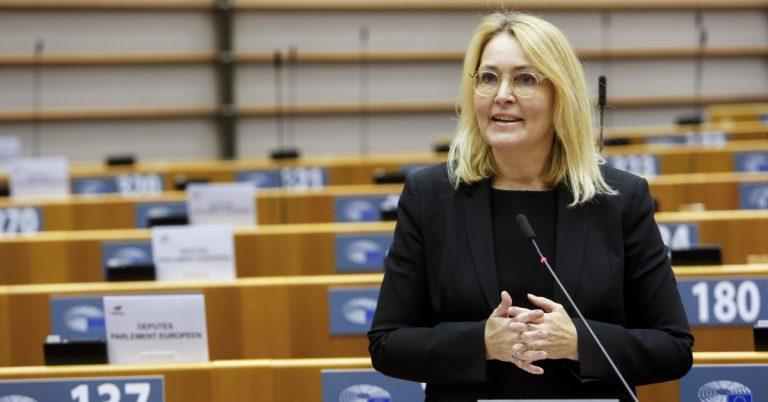 Read more about the article MEP'er til top-100 CEO's: Stop jeres målrettede digitale markedsføring!