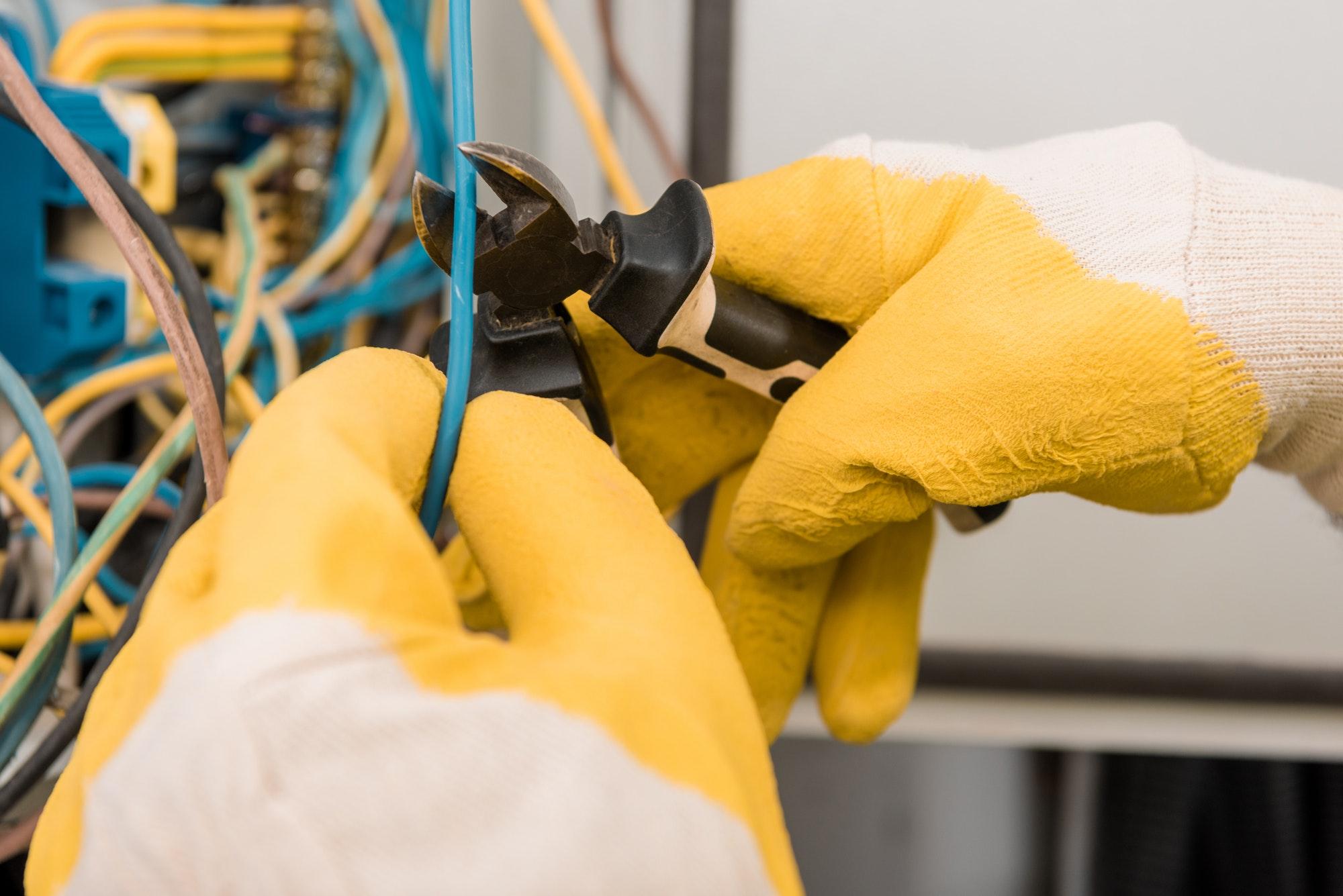 Hvad koster en elektriker i weekenden i København i Nordsjælland - vi dukker dybere ned i pris på elektriker akut