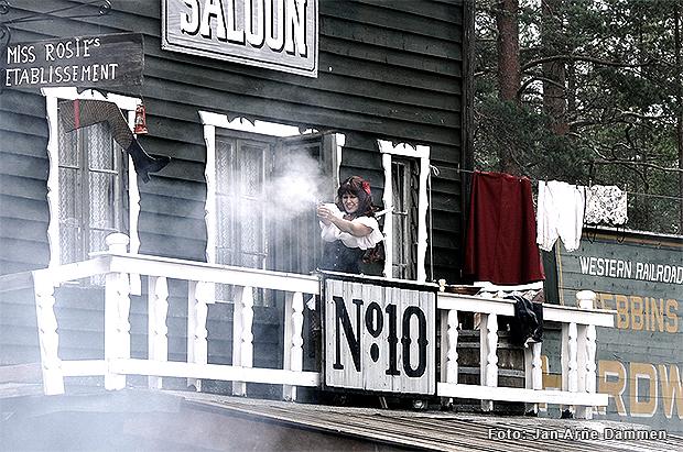 Saloon No10