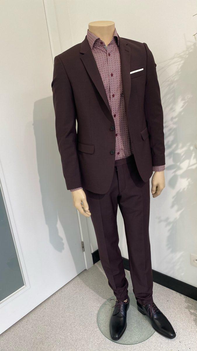 bordeaux burgundy kostuum