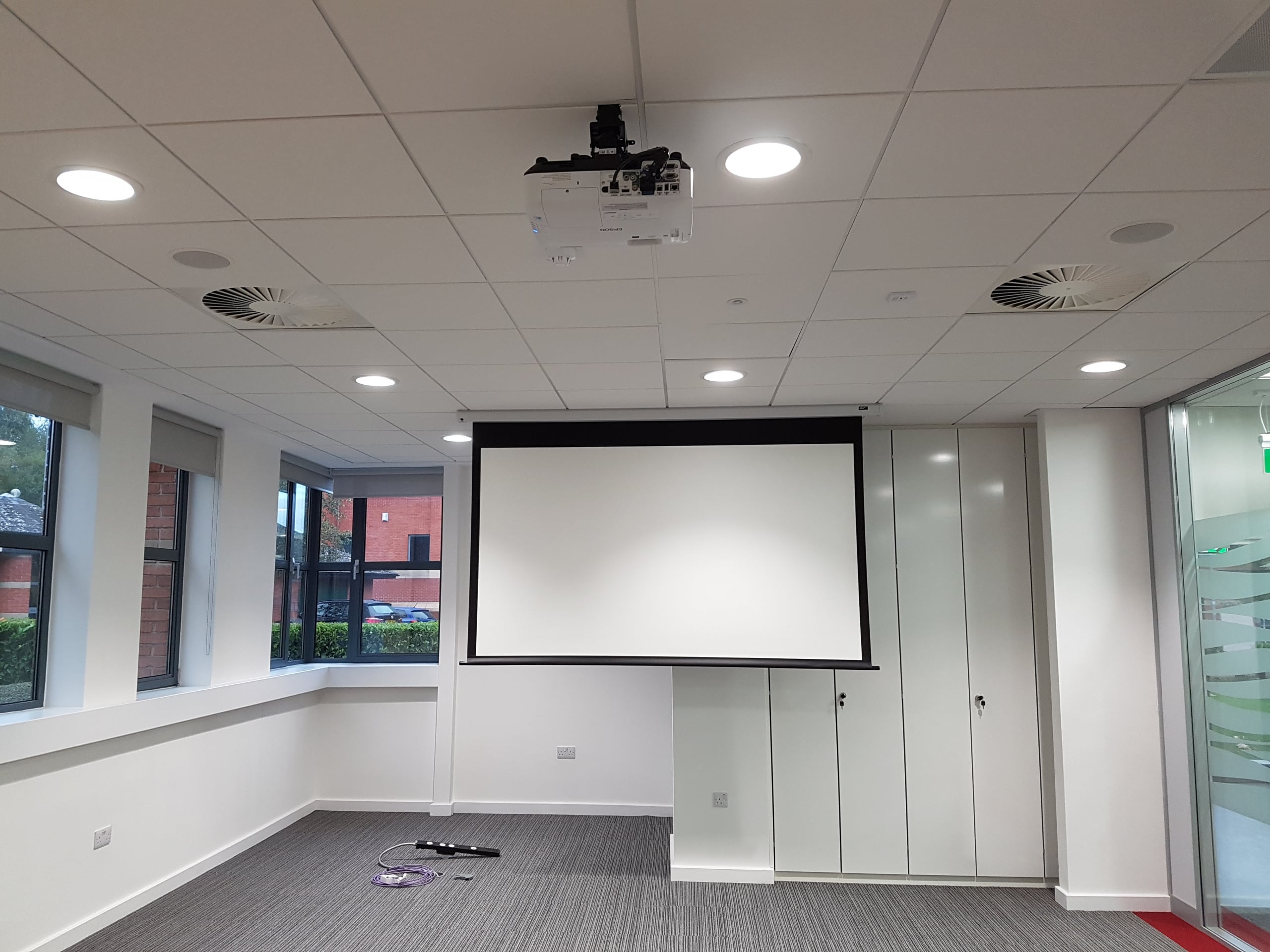 projector installer leeds