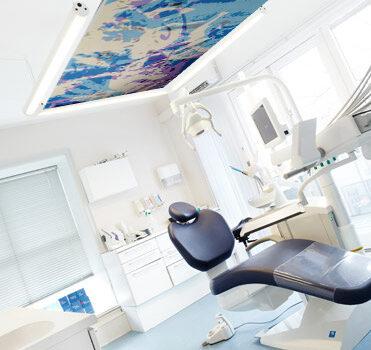 loftdekoration vægmaleri til tandlægeklining smertedempende udsmykning