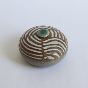 Zand Witte Ovale Keramische Mini Urn 2 r5 (1)