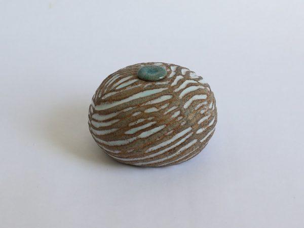 Zand Witte Ovale Keramische Mini Urn r3 (2)