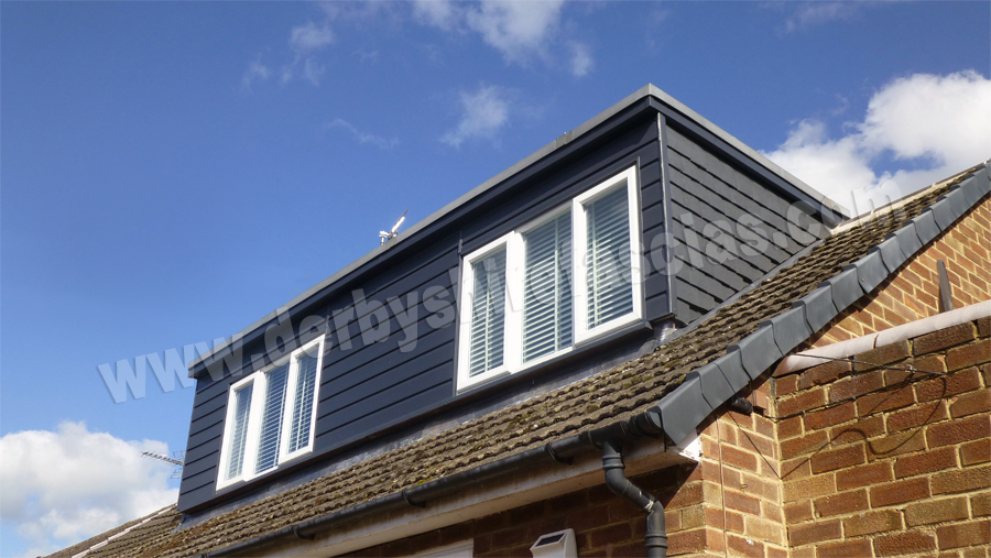 Anthracite woodgrain cladding giving a contemporary look