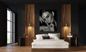 kunstwerk van vrouw met schaduwmotief in slaapkamer